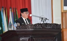 Permalink ke Terkait Usulan 3 Raperda, Gubernur Sampaikan Jawaban Atas Pandangan Umum Fraksi